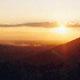Lever de soleil depuis les collines. (Ph. Tris)