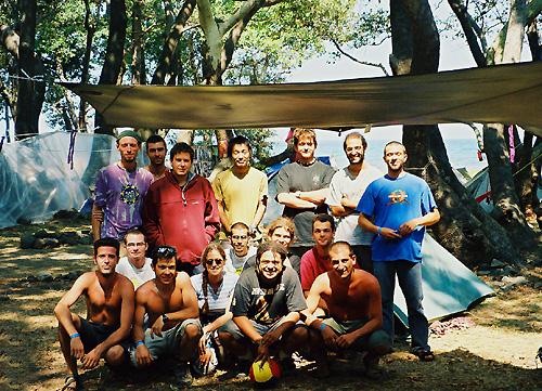 Hadra (une partie de l'équipe dumoins...)au Samothraki Dance Festival (Août 2002)
